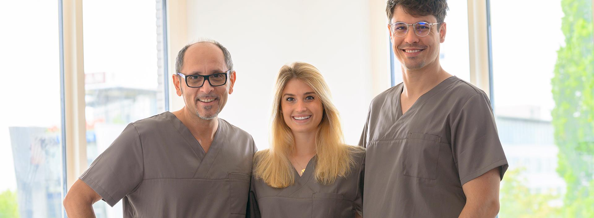 Ärzte Team Herr Dr. Ozren König, Herr Dr. Sebastijan Mormer und Frau Dr. Antonia Herrmann